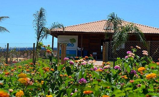 Foto da fachada do Centro de Educação Ambiental de Rio das Ostras